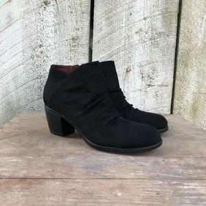 boc | black ruched heeled ankle boots